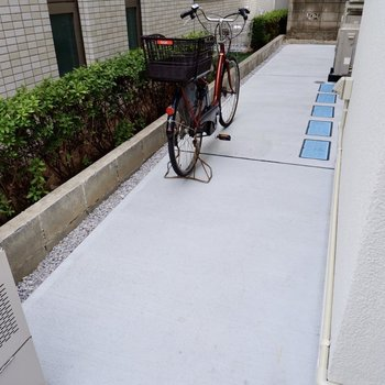 敷地内に駐輪スペースもありました。