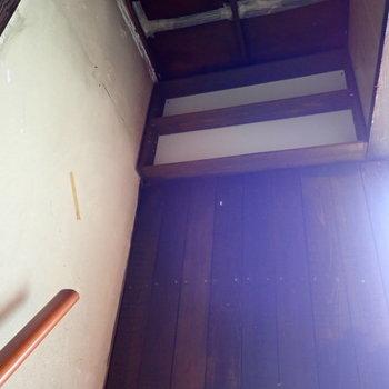 階段上に棚発見!