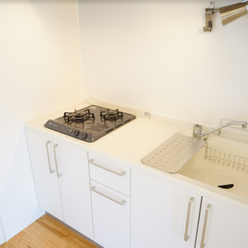イメージ】キッチンは2口ガスコンロ!シンクも広くて使いやすい〜