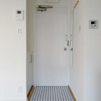玄関は意外と広い。