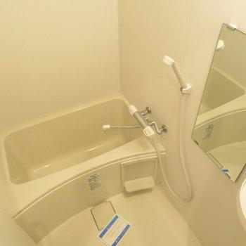 お風呂も綺麗ですね(※写真は6階の同間取り別部屋のものです)