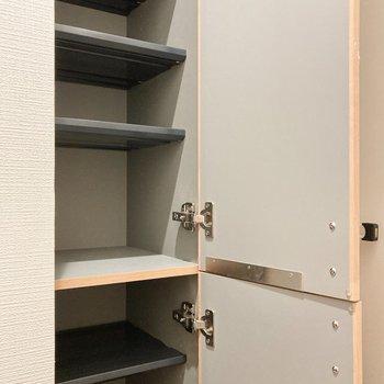 【1階】シューズボックスは高さも変えられます。
