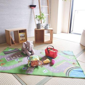 【和室2】隣の部屋から目が届きやすく、お子様の遊び場に良いですね。