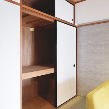 【和室1】ゆったりとした押し入れには、布団などの大物もしっかり収納できますよ。
