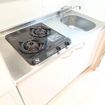 シンクにボードを渡せば調理スペースを確保できますよ。