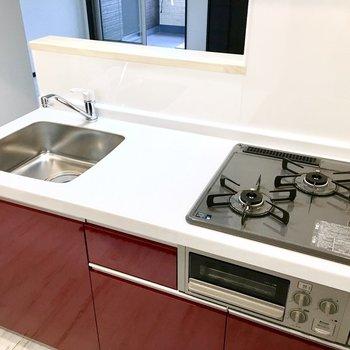 キッチンはスペースも使い勝手も◯(※写真は2階の反転間取り別部屋のものです)