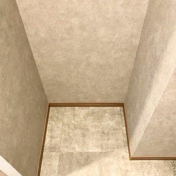 冷蔵庫もお隣に置けそう◎(※写真は6階の同間取り別部屋のものです)
