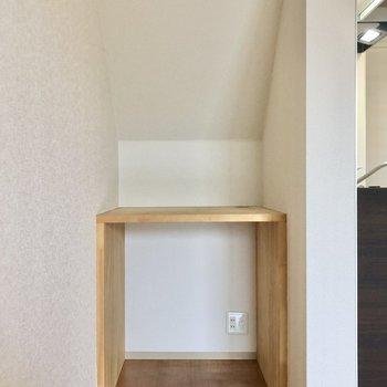 収納はこちらに。※写真は1階の同間取り別部屋のものです