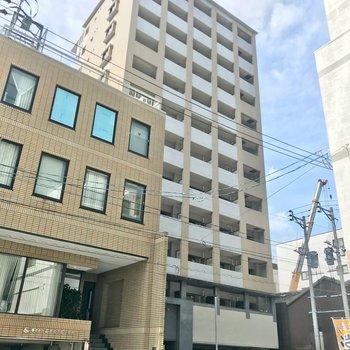 大博通りから1本入ったところの建物。