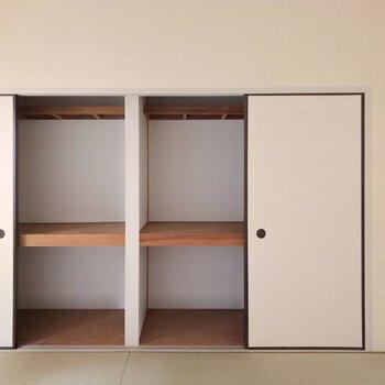 和室は6畳。壁一面に押入れ収納!