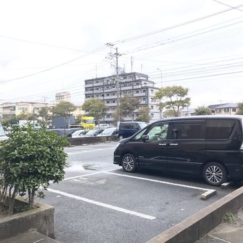敷地内駐車場にも空きがあります。