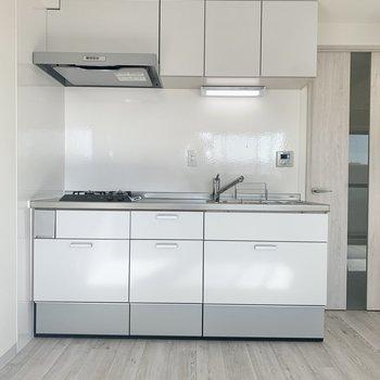 【LDK】収納多めのキッチン。