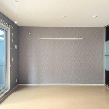【洋室】こちらは寝室や作業部屋に。