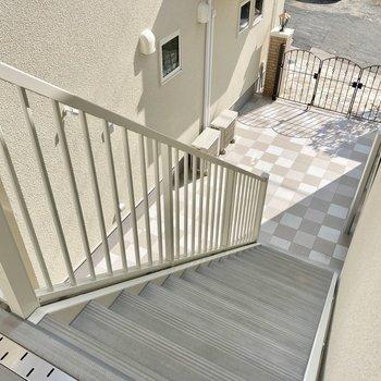 階段で2階まで〜!このくらいなら楽ちんです。