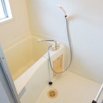 お風呂は既存の物ですが、とても清潔にされていて、古さはほとんど感じませんでした。