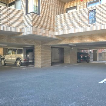 駐車場も空きがありますよ!