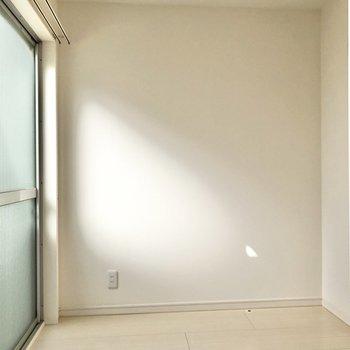 【書斎】ドアの先には約2.5帖の秘密の空間。※写真は3階の同間取り別部屋のものです