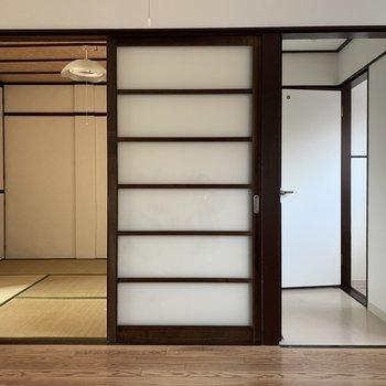 洋室を超えて和室まで、日当たり◎(※写真は2階の同間取り別部屋のものです)