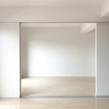 洋室とは戸で仕切ることも◎(※写真は6階の反転間取り別部屋のものです)