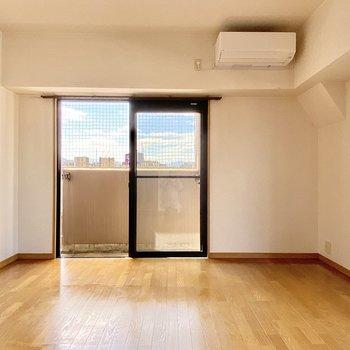 家具はシンプルなものを選びたいな〜