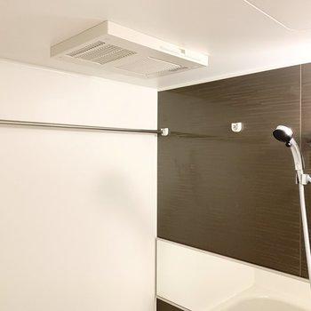 浴室乾燥機付きで雨が続いても安心!