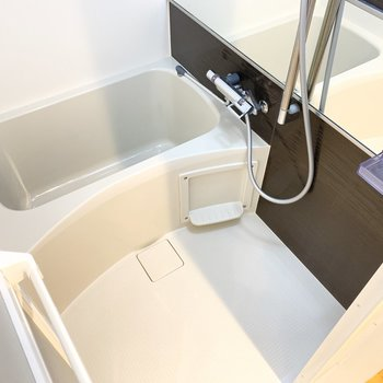 シンプルなバスルームです。