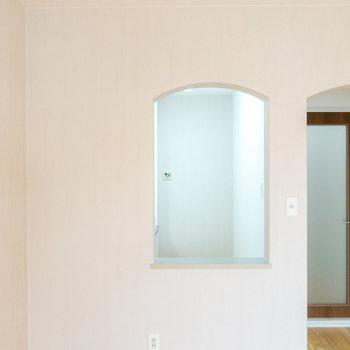 【LDK11】アーチ状の室内窓がとにかく可愛らしいんです◎