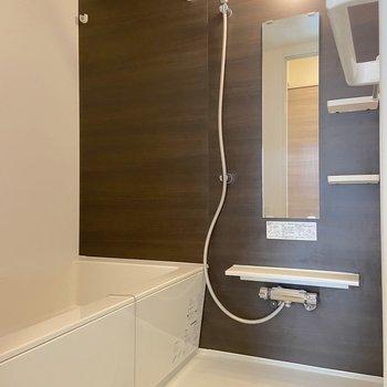 浴室乾燥や追い焚き機能を活用して下さい。