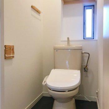 【完成イメージ】トイレはウォシュレットを新設。ペーパーホルダーなどにも拘っています。