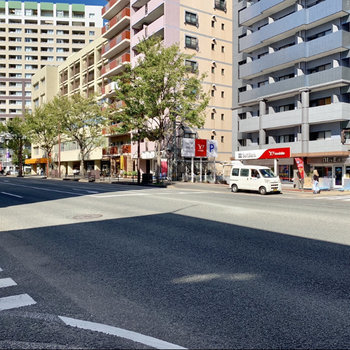 高宮通りにでました!バスも多く通っています。