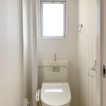 トイレはウォシュレット付きで快適です♪