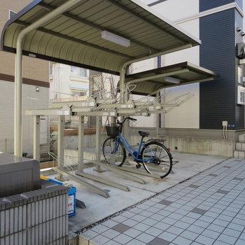 駐輪場・バイク置き場は屋根付きですよ