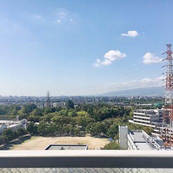 12階からの眺望!風が気持ちいい〜。