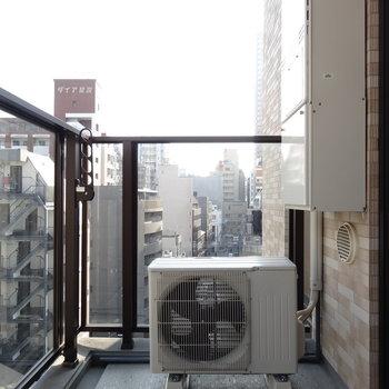 バルコニーは南側も空いていて日当たり◎※写真は同間取り7階のものを使用