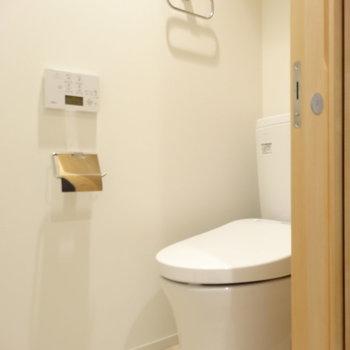 トイレもスタイリッシュなデザイン※写真は同間取り7階のものを使用