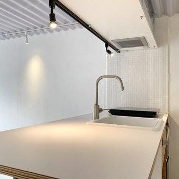 作業スペースも広くてお料理が捗りそうです。