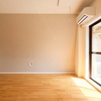 【イメージ】バルコニーからの光がキッチンにまで行き届きます。