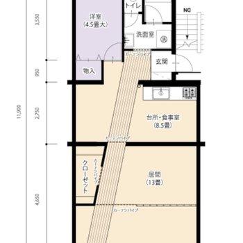 斜めの廊下が部屋と部屋をゆるりと繋ぐ1LDK。