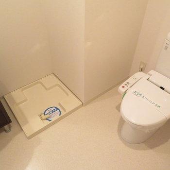 トイレも同じ空間に(※写真は5階の同間取り別部屋のものです)