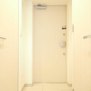 床のタイル模様がかわいらしいです。(※写真は4階の同間取り別部屋のものです)
