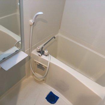 お風呂キレイ〜!(※写真は13階の同間取り別部屋のものです)