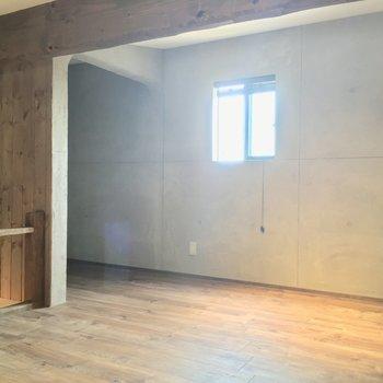 小窓も付いて、広いですよ〜!是非コチラをベッドルームに!※写真は似た間取りの別部屋のものです