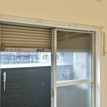 室内物干しも併用できます!シャッター雨戸付きで防犯面も防災面も安心です◯