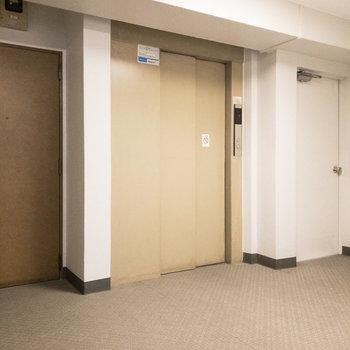 エレベーターがあるのでお部屋がある3階までの移動も楽々ですね。