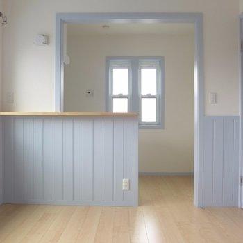 絵になるカウンターキッチン(※写真は2階の同間取り別部屋のものです)