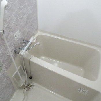 浴室乾燥機付き!(※写真は11階の同間取り別部屋のものです)