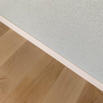 体育館の床材にも使用されるバーチ材。強度も可愛さも有り