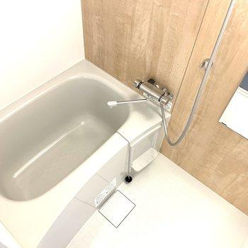 新たに浴室もリニューアル!清潔感があって嬉しい。