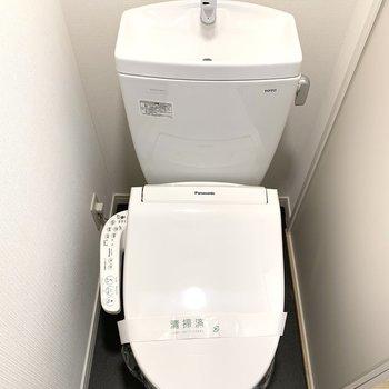 トイレも新たに交換済み!