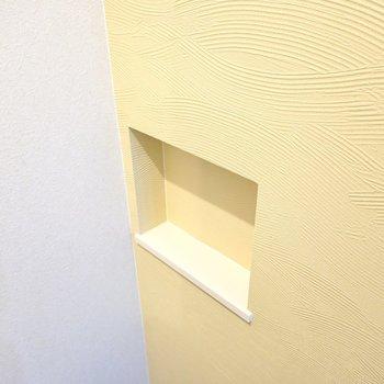 壁のニッチは鍵置き場に良さそうです。